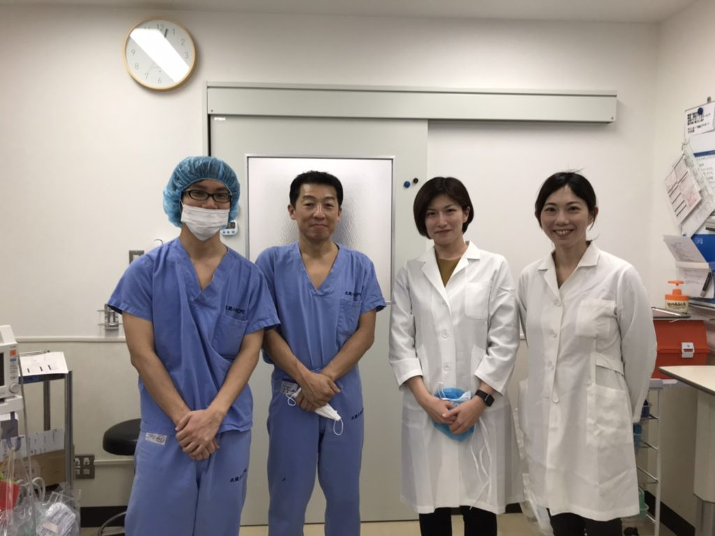 左より 宮田医局長、村上、加藤先生、金子先生(当院形成外科)